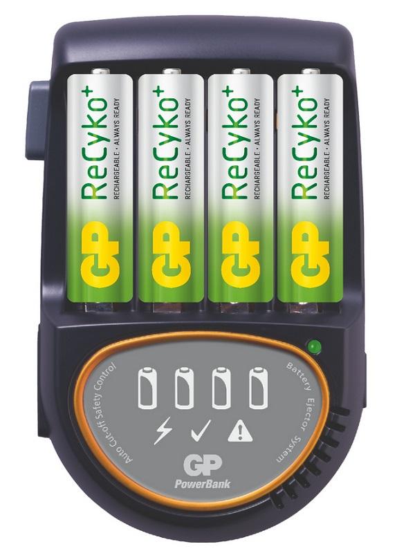 Nabíječka baterií GP PB50 Nabíječka baterií + 4AA ReCyko 1604150100